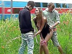 Muhteşem genç 2 ile toplu seks toplu tecavüz