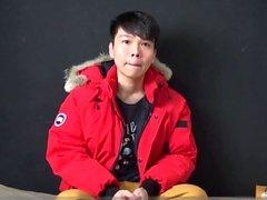 Asyalı genç gerizekalı ve cums