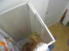 Ausspionieren lesbischen Dusche Spaß meine Freundin