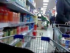 Сексуальное попа во магазине , задница , юбкой флешера