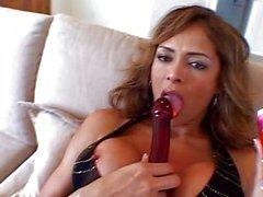 Mami Culo Grande 1 Szene 1 Kostenlose Vorschau von Monique Fuentes An