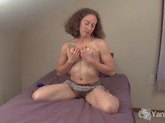 Horny Nina Masturbieren und Cumming