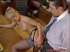 Azgın idari sekreter Dora Venter
