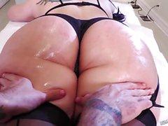 Big Ass Babe in Strümpfen Mandy Muse gebohrt super hart