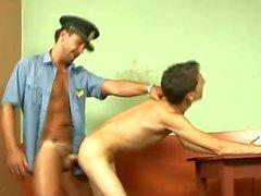 Pervert Cop анальный выебанная Тощий гей