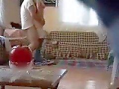 fille de en arabe baisé par voisin caméra espion