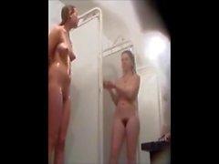 Volleybal team spied in public shower