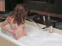 Dakota in bath tub