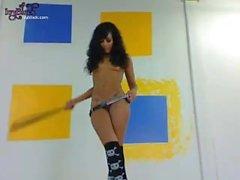 """Petite 4'10 """"Teen Ivy Schwarz Naked in Gürtel zeigt ihre perfekte Tight Ass"""