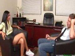 lateinischen Teenager bekommen ihre Pussy hart in der Lehrer Office fickte