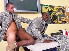 Askeri çıplak erkek ve askeri gey tüylü erkek Evet Matkap