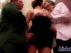 Slutty Bobbi Starr enjoys her some DP