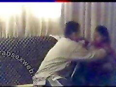 Desi Randi In Clients Akt in einer Hunde gefickt zu werden