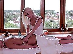 Relaxxxed - Orgasmic lesbisk olja massage