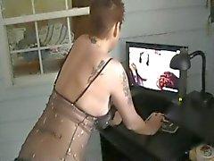 sie ist Anschauen von Porno