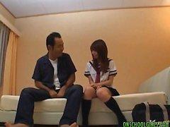 Азиатка подросток имеет гидромассажная время со своей парне
