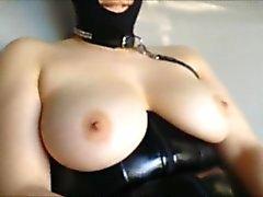 Onu BDSM kıyafeti giyerek MILF becerdin