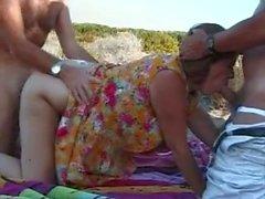 Горячая Britsh Пожилая мама Threesome