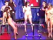 3 Naakt Meisje Op TV