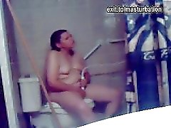 Eline masturbating in the bathroom