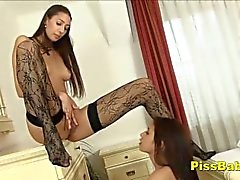 Bursting Teen Pisse Selbst