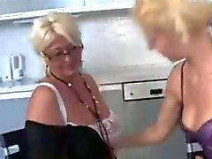 MIJN VRIEND 'S MOM ( door tm )