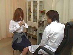 jeune japonaise s'offre uma ONU pervers gynecologue