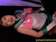 les Asiatiques cosplay de le visage le sperme couverts