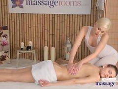 Eufrat dá uma massagem vaginale un uma loira
