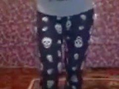 Kuru kafa pijamali kiz