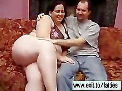 Kaksinkertainen Kyrpä yllätyksen oma FAT- Busty vaimo Rosa