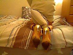 Geile kantoor dame gianmarco lorenzi op haar bed