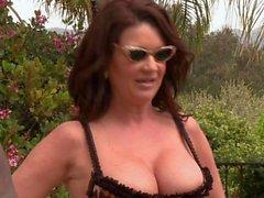 Cougar Chicas a Raquel Devine mierda con piscina negro joven