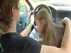 18yo Russische meisje gevrijd op de auto
