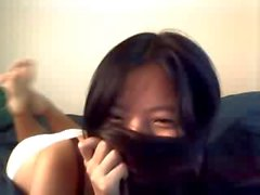 Baby auf der Webcam zeigt, dass asiatische enge Muschi