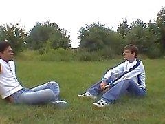 Jungen Homosexuell Gecken in einer Heiß und süß Teufel
