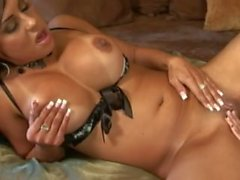 Lela Star & Mariah Milano - Amor Lesbiano