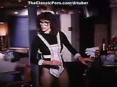 Qi Parker Richard Pacheco dans la rapports sexuels avec femme de ménage chaud dans une