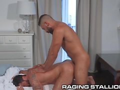 Studs RagingStallion Espagnol Ass fucking