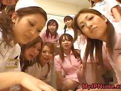 Asian verpleegkundigen genieten van seks op de top part6