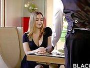 Annerita Gita con di Naughty Natasha Nice gode del di BBC