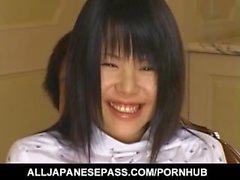 Pretty Asian babe Konomi Sakura expõe buceta quente para o gozo