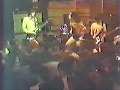 Henry Orgasmus auf dem Podium Rock und Roll Erotik kampioen!