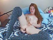 рыжий cums крепко носящие высокие носки колена by Melody Lane