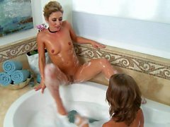 Presley Hart and Sheena Shaw play in the bath