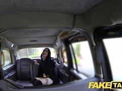 Fake Taxi enorme creampie para chica joven sexy y delgada de goth