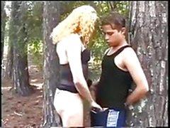 Batendo quente na floresta