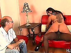 Aldatmak eşi Eşim siyah bir adamla lanet izler