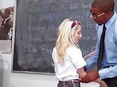 InnocentHigh étudiant blond minuscule baise de BBC Professeur
