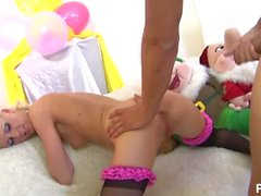 Amy azurras pyjaman party vol 1 - Scene 2